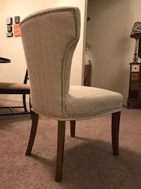 White padded brown wooden chair Harahan, 70123
