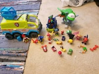 toddler's assorted plastic toys Valdosta, 31602