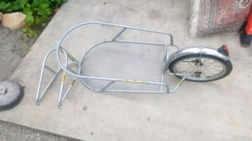 Bike trailer great condition