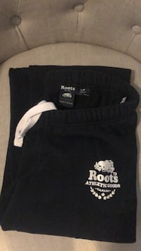 Roots sweatpants Size Small London, N5X 4N2