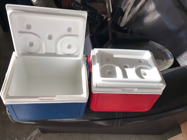 white and red plastic container 23fbc512-56f7-4795-925d-dcca4c5ac8bb
