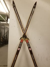 Antique Hickory cross country race skis