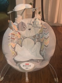 Fisher price My Little Snugapuppy Deluxe Bouncer  La Plata, 20646