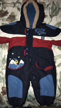 Gag out Tagou snow/winter suit 12 month old. Used only 3 times last season. Doesn't fit my child this season. Easy to put on and off due to full length zipper. Rated for up to -30 degrees Surrey, V3R