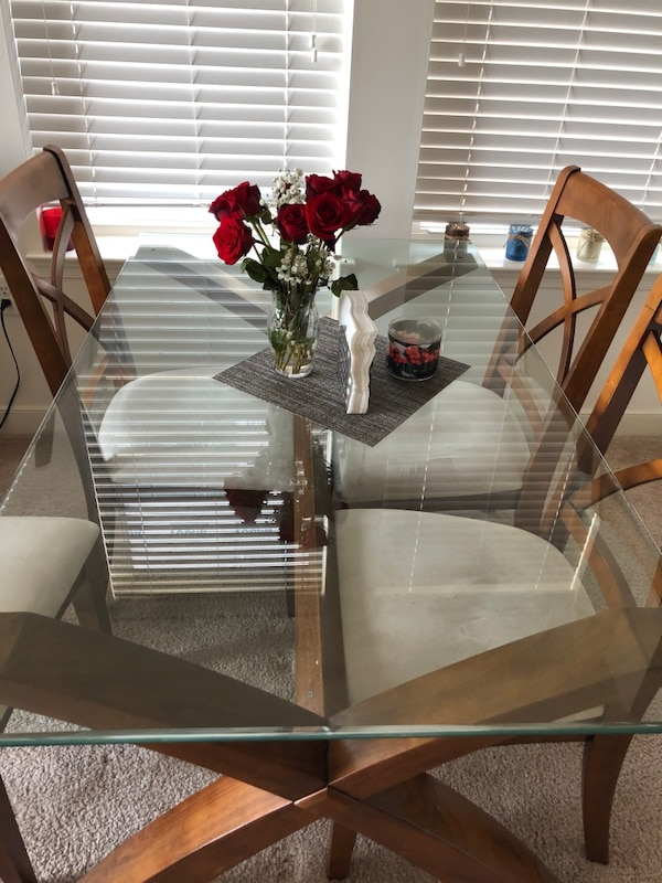Glass dinning table w/ FREE chairs