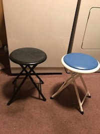 2 folding chairs Wilkes-Barre, 18705
