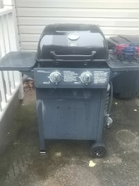 grey and black gas grill