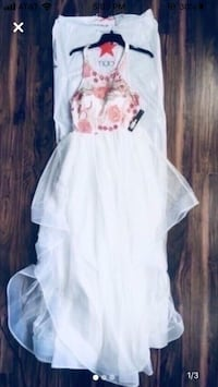 White homecoming/formal/prom dress size 10 Charlotte, 28277