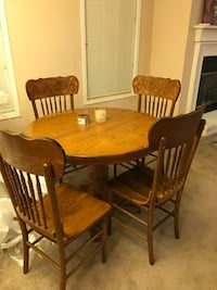 Table and 4 chairs 500 mi