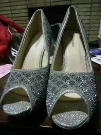 pair of gray peep-toe heeled shoes Chicago, 60629