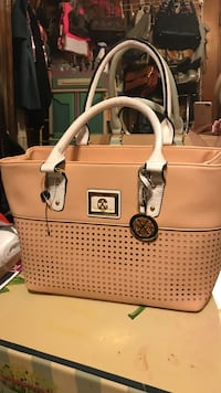 Coral and white leather handbag Callaway, 32404