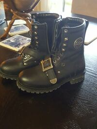 Boots. Black leather riding boots Bellevue, 68005