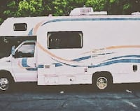 Fleetwood Tioga Class C Motorhome with Slide Out and Generator   43twegf