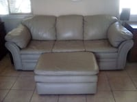 leather couch and ottoman Manteca