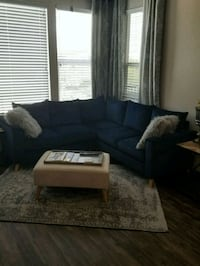 Blue sectional sofa & ottoman 5 months old Orlando, 32810