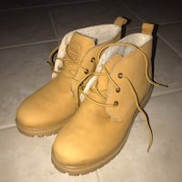 pair of brown leather work boots null, L2H 3J7