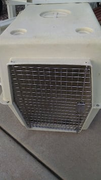 Large Dog Crate, great condition St. George