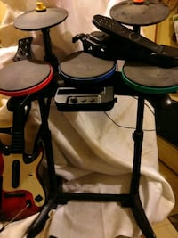 Rock band drum,guitar hero guitar, all for wii Three Rivers, 49093