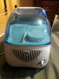 Vick's Cool Mist humidifier