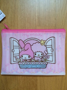 My Melody zipper bag