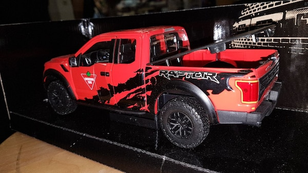 2017 F150 Raptor Die Cast Collectible efe3aac4-693d-4fe4-8f21-8ddbd8e8dce4