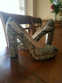 Designer snakeskin leather shoes  Vaughan, L4H 1M4