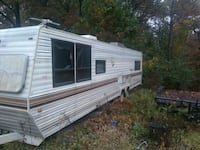 white and gray camper trailer Severn, 21144