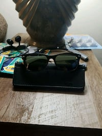 Unisex retro Ray-Bans mint condition Windsor