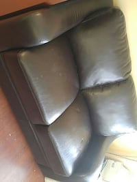 black leather 3-seat sofa Markham, L3R 2Z5