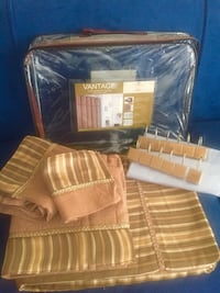 Beautiful shower curtain set brand new 17 pieces perfect for Xmas gift   786 km