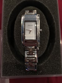 Ladies Sleek Beautiful DKNY Stainless Steel Silver NY-3207 Quartz Watch Vancouver, V6N