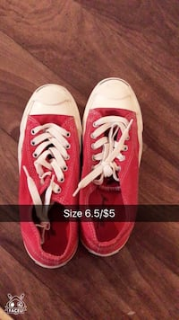 pair of red and white size 6.5 low tops 欧弗兰公园, 66213
