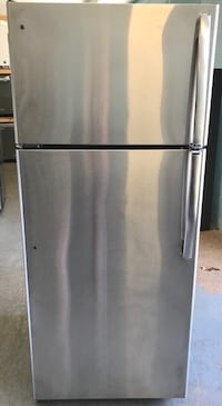 GE stainless steel top bottom freezer fridge