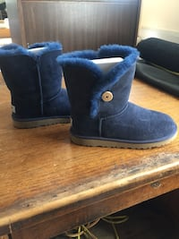 Navy Ugg Bailey-Button mini boots Valley Stream, 11580