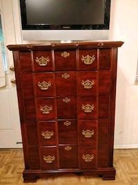 Like new modern wooden chest dresser with big draw Annandale, 22003