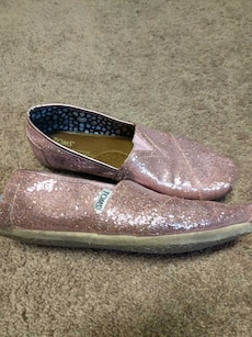 Toms -pink & sparkles! Size 8