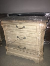Chest/Drawer  Vaughan, L4L 1A7