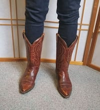 Canada cowboys boot size 8-8.5