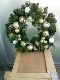 "30"" Large Christmas wreath. Perfect condition. Burlington"