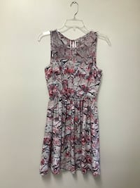 Women's GUESS 100% polyester floral print sleeveless dress… Size 6