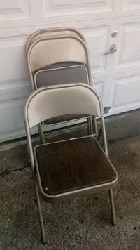 brown and gray folding chair Raytown, 64133
