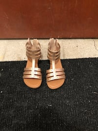 Gold Toddler girl shoes size 13 Montreal, H8Z 1Y5