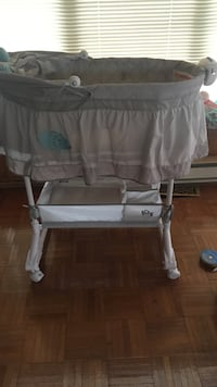 gray bassinet New Tecumseth, L0G 1A0