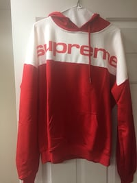 Supreme hoodie size large West Columbia, 29169