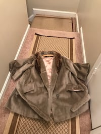 Vintage 1950s or 60s fur coat size small color brownish.   HYATTSVILLE