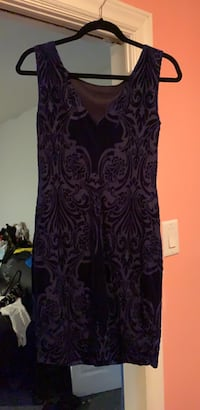 Women's purple and black floral sleeveless dress Mississauga, L4Y 1X5