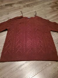 womens large sweater Guelph, N1E 6M2