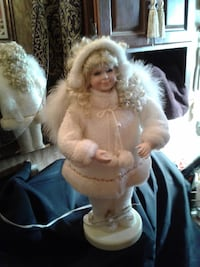 """NOW $30 from $50 *** VINTAGE 24"""" ANIMATED CHRISTMAS ANGEL with PORCELAIN FACE & HANDS*IF AD'S UP, IT'S STILL AVAILABLE"""