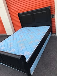 Black queen size bedroom set includes all I offer the delivery  Tampa, 33611
