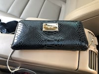 Michael kors leather wallet/purse 2285 mi